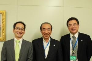 (中)取締役社長 芳須康次様  (右)取締役総務部長 増田松司様